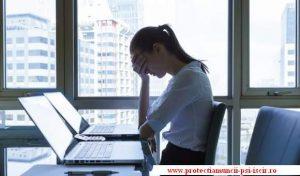 imagine cu stress la birou cu site